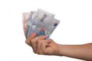 Vreau sa ma împrumut de bani