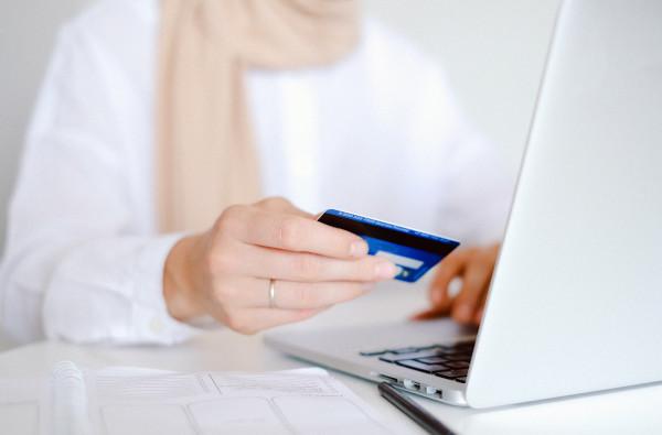 Credit online direct pe card